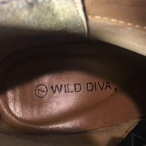 Wild Diva Shoes - Wild Diva Size 7 Suede High Heel Booties GUC Brown